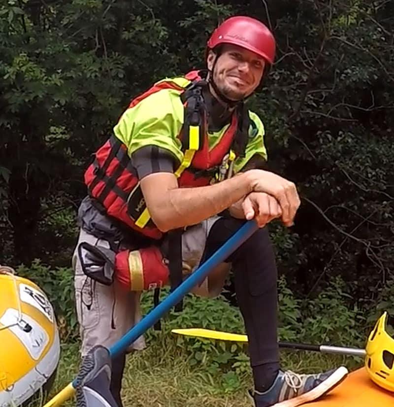 Moniteur de rafting sur l'Aude